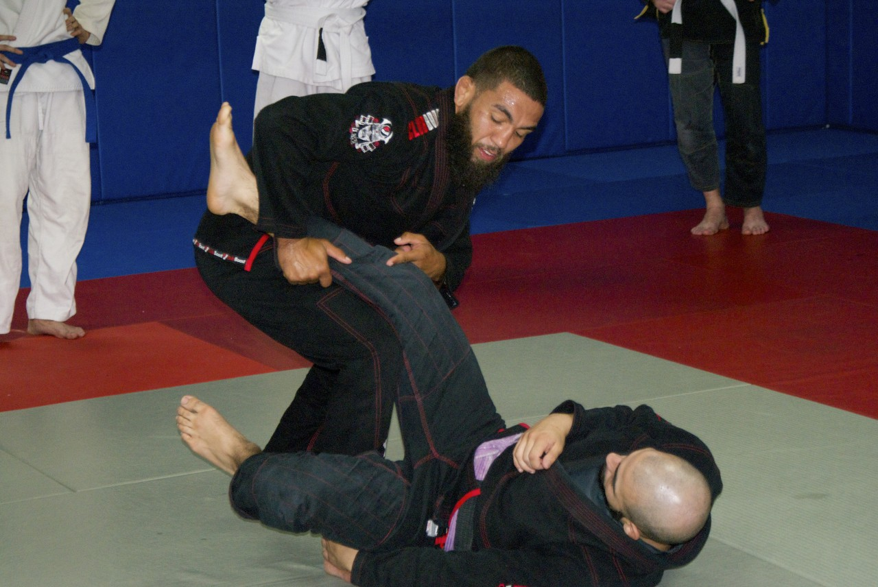 Ufc Fighter Jim Alers Teaching At Vagner Rocha Martial Arts